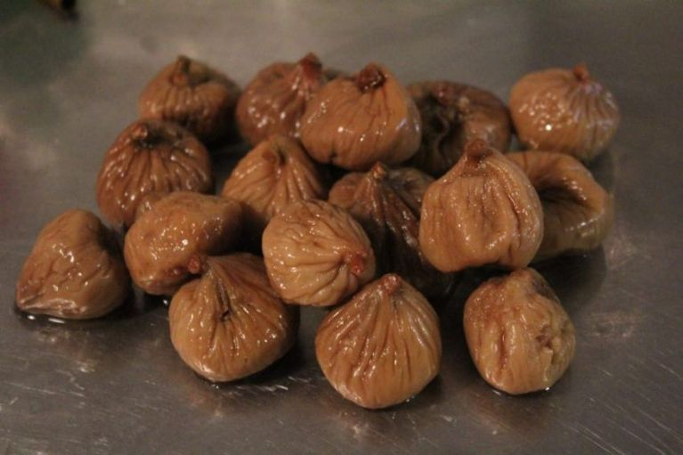 dried figs boiled for fig thick jam