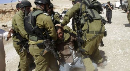 ZIONIST SOLDIERS STORM PALESTINIAN MEDIA BUILDINGS
