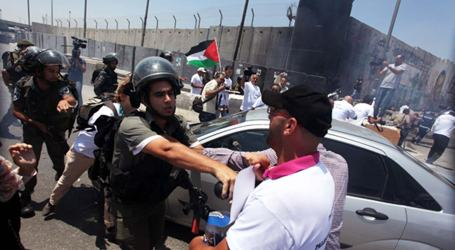 ISRAEL DETAINS 12 PALESTINIAN JOURNALISTS