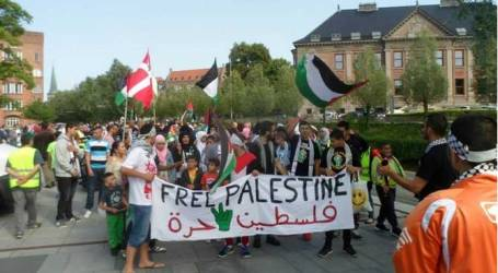 DENMARK MUSLIMS IN SUPPORT OF AL-AQSA MOSQUE