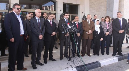 PALESTINIAN UNITY GOVERNMENT MINISTERS ON GAZA VISIT