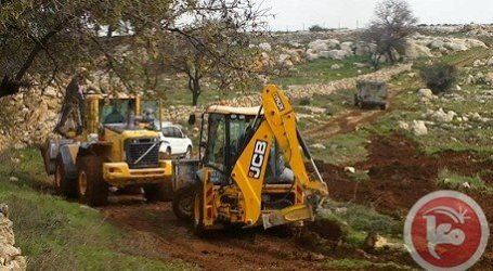 ISRAELI FORCES DESTROY PALESTINIAN WHEAT FIELDS NEAR BETHLEHEM