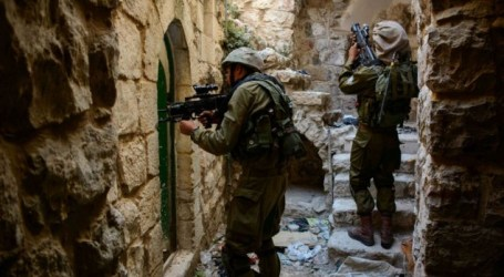 ISRAEL ORDERS REMOVAL OF FACILITIES NEAR HEBRON