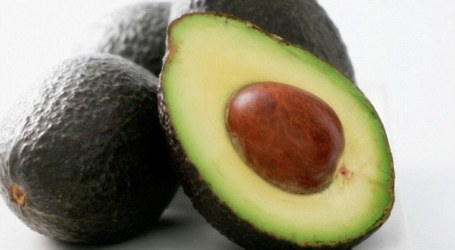 AN AVOCADO A DAY COULD REDUCE THE RISK OF A HEART ATTACK