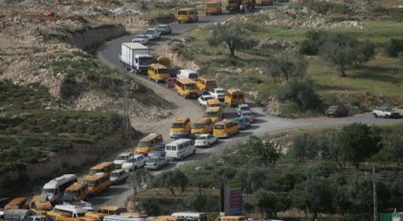 ISRAEL SHUTS MAIN ROAD SOUTH OF RAMALLAH FOR 4 HOURS