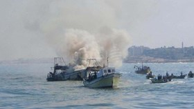 ISRAELI NAVAL BOATS OPEN FIRE ON GAZA FISHERMAN