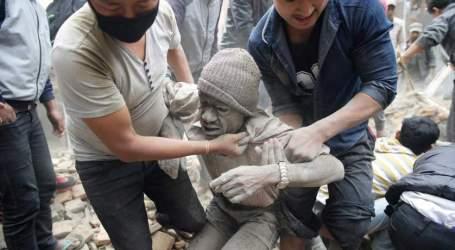 NEPAL EARTHQUAKE HITS  OVER  4,000