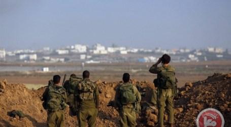 ISRAELI FORCES INJURE 3 FARMERS, ARREST 2 FISHERMEN IN NORTHERN GAZA