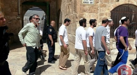 RIGHT-WING JEWS TOUR AL-AQSA TO MARK JERUSALEM DAY