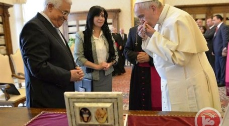 POPE CREATES FIRST PALESTINIAN SAINTS AT VATICAN MASS