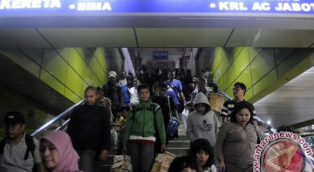 TRAVELERS RETURNING TO JAKARTA AFTER LEBARAN BEGIN TO DECLINE