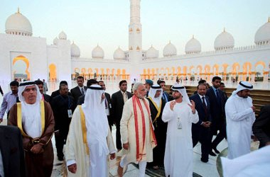UAE WELCOMES MODI, TO BUILD FIRST HINDU TEMPLE