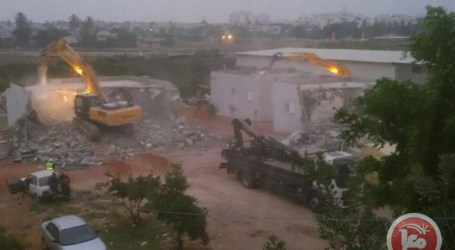 ISRAELI FORCES AGAIN DEMOLISHING PALESTINIAN HOMES IN ISRAEL