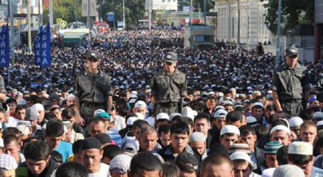 RUSSIAN MUSLIMS SUFFER FROM SHORTAGE OF MOSQUES