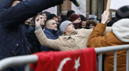RUSSIAN POLICE RAIDING, FROZEN TURKISH COMPANIES