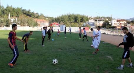FUTURE SYRIAN FOOTBALL STARS FIND HOPE IN TURKEY