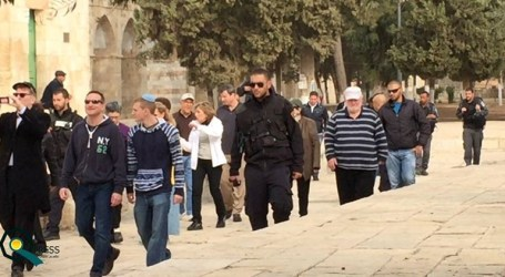 REPORT: OVER 1.000 SETTLERS DEFILED THE AQSA MOSQUE LAST MONTH