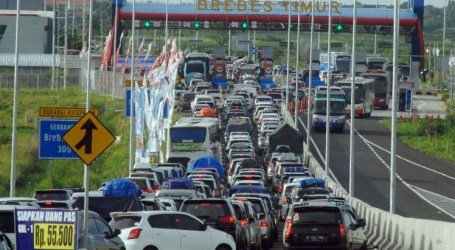 Indonesian Gov't Offers Apology over Deadly Traffic Jams at Junction Called 'Brexit'