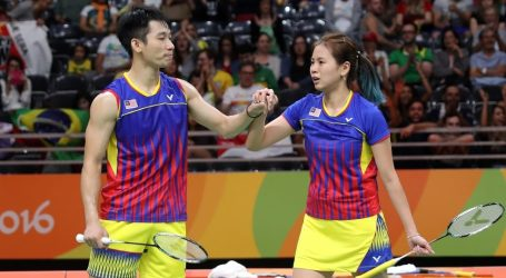 PM Najib Praises Badminton Mixed Doubles Pair For Entering Final