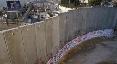 Israel to Build Wall around Gaza Strip: Press Report
