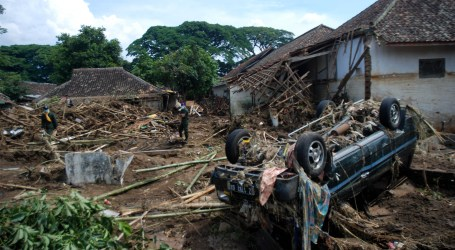 Death Toll of Indonesia's Catastrophes Rises to 33 with over 6,000 Displaced