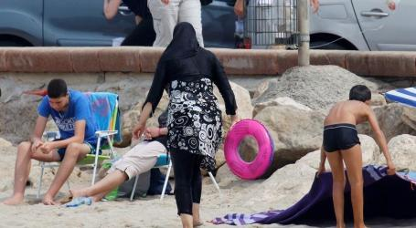"Muslim Family 'Treated Like Aliens"" On Trip To English Seaside Town"