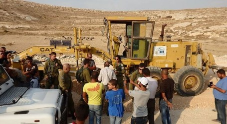 Israeli Soliders Steal Palestinian Buldozer From Bethlehem