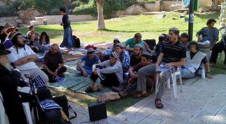 1000 Israeli fanatics Storm Kafl Haris