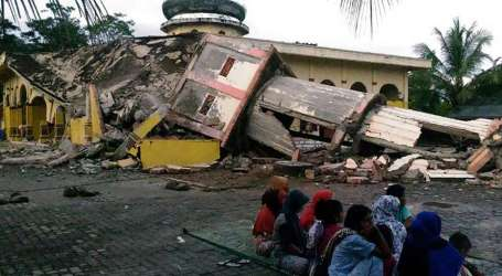 Indonesian Quake Displaces More Than 43,000 People