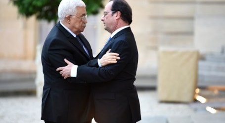 Abbas, Hollande to Discuss Articles of Paris Peace Confrence Tuesday