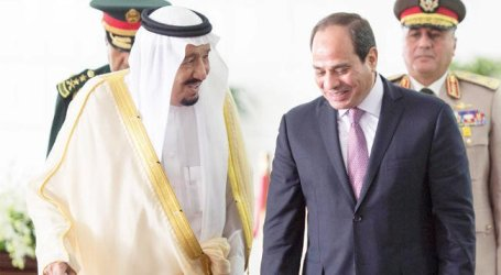 King Salman Holds Talks With Egypt's President El-Sisi