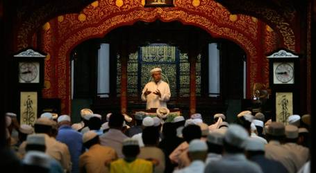 Prevent COVID-19, Minister of Religion Appeals Tarawih Prayers Held at Home