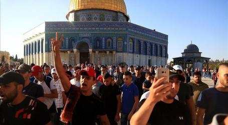 Palestinians Rejoice Lifting of Restrictions on Al-Aqsa