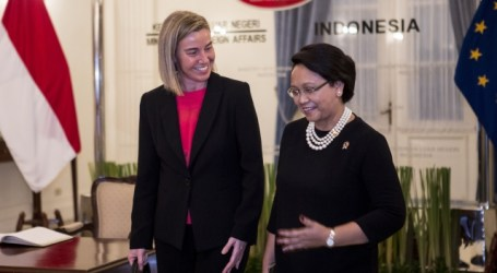 Retno Marsudi Holds Talks with Reynder and Mogherini