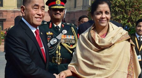 Indonesian, Indian Defense Ministers Discuss Cooperation in Defense Industry
