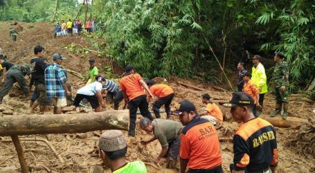 11 Missing, 14 Injured as Landslide Hits Brebes
