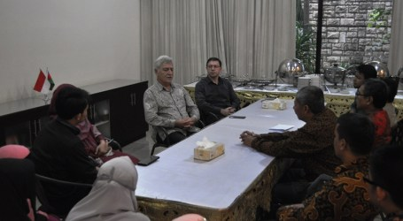 Muslim Youth Forum Holds Breaking the Fast With Azeri Ambassador and Others