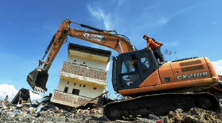 Dozens of Machines Clean Location of Petobo's Liquefaction