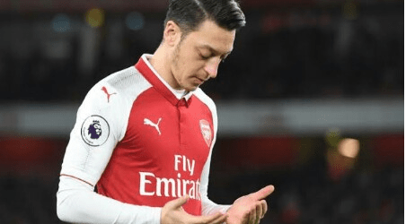 Ozil Offers Condolences to Sunda Strait Tsunami Victims in Indonesian