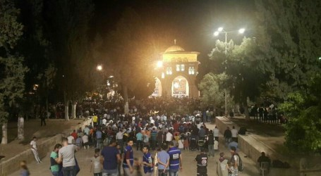 Al-Quds Residents Perform I'tikaaf at Al-Aqsa Mosque