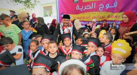 Indonesian Conscience Kindergarten in Gaza Holds Graduation
