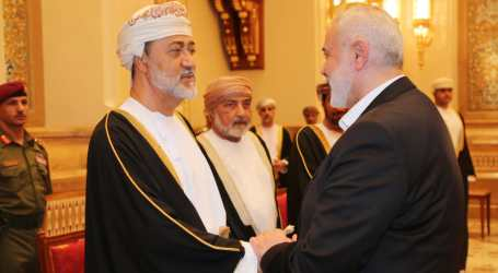 Hamas Leader Arrives in Oman to Condolence for Sultan Qaboos
