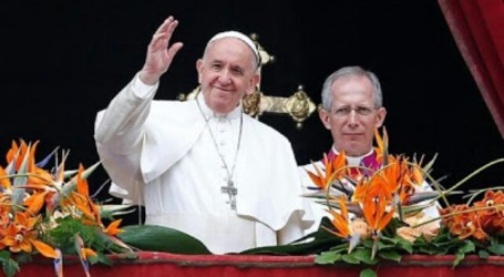 President Jokowi Invites Pope Francis to Indonesia