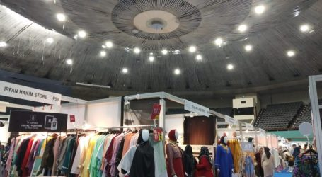 As 400 Exhibitors Enliven Muslim Fashion Festival 2020 in Jakarta