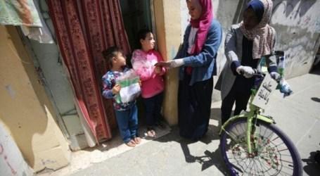 Palestinians Deliver Books to Children During Coronavirus Lockdown