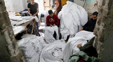 Gaza Factories Produce COVID-19 Protective Clothing