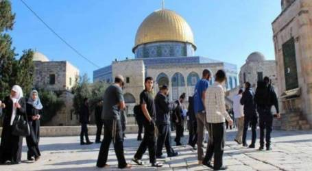 Jewish Invasion in Al-Aqsa Increases Despite Closure
