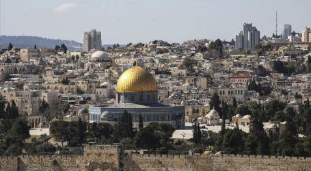 Palestinian Activists Suffer Under Al-Aqsa Entry Bans