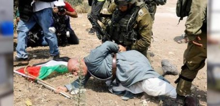 Israeli Forces Attack An Elderly Palestinian in A Peaceful Protests