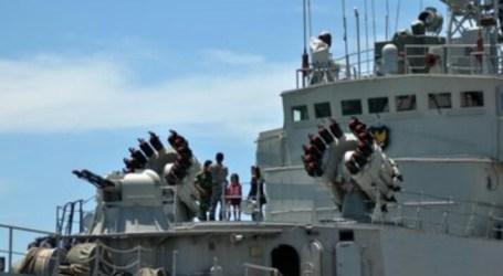 Indonesian Coast Guard, Navy Hold Patrols in South China Sea